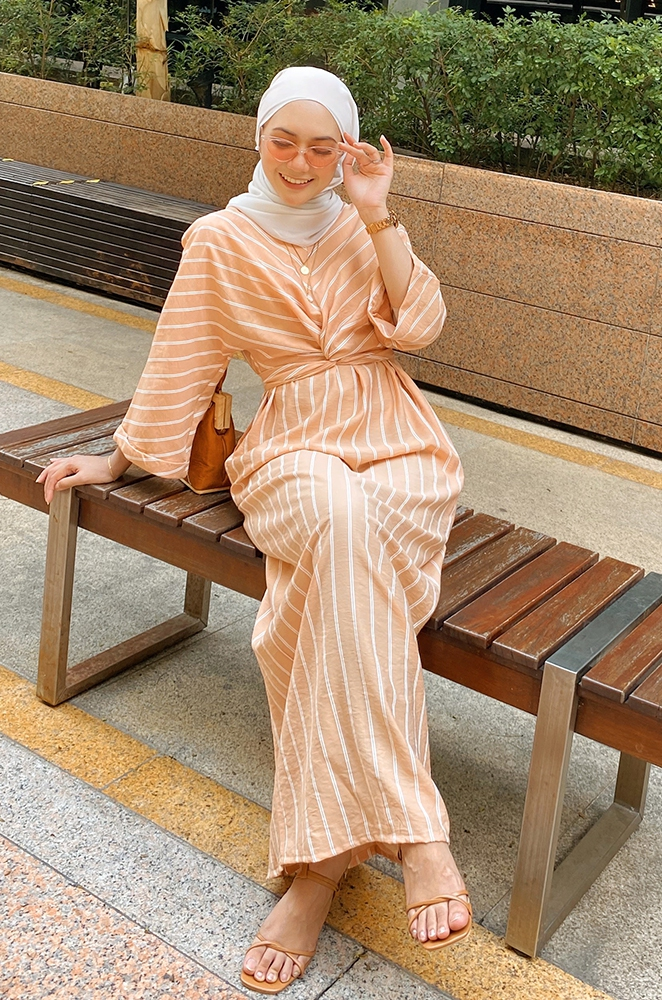 NAOMI WRAP DRESS (PEACH)